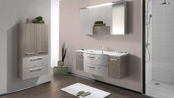 Badezimmer_2_marmor_klassisch_und_doch_modern_01b